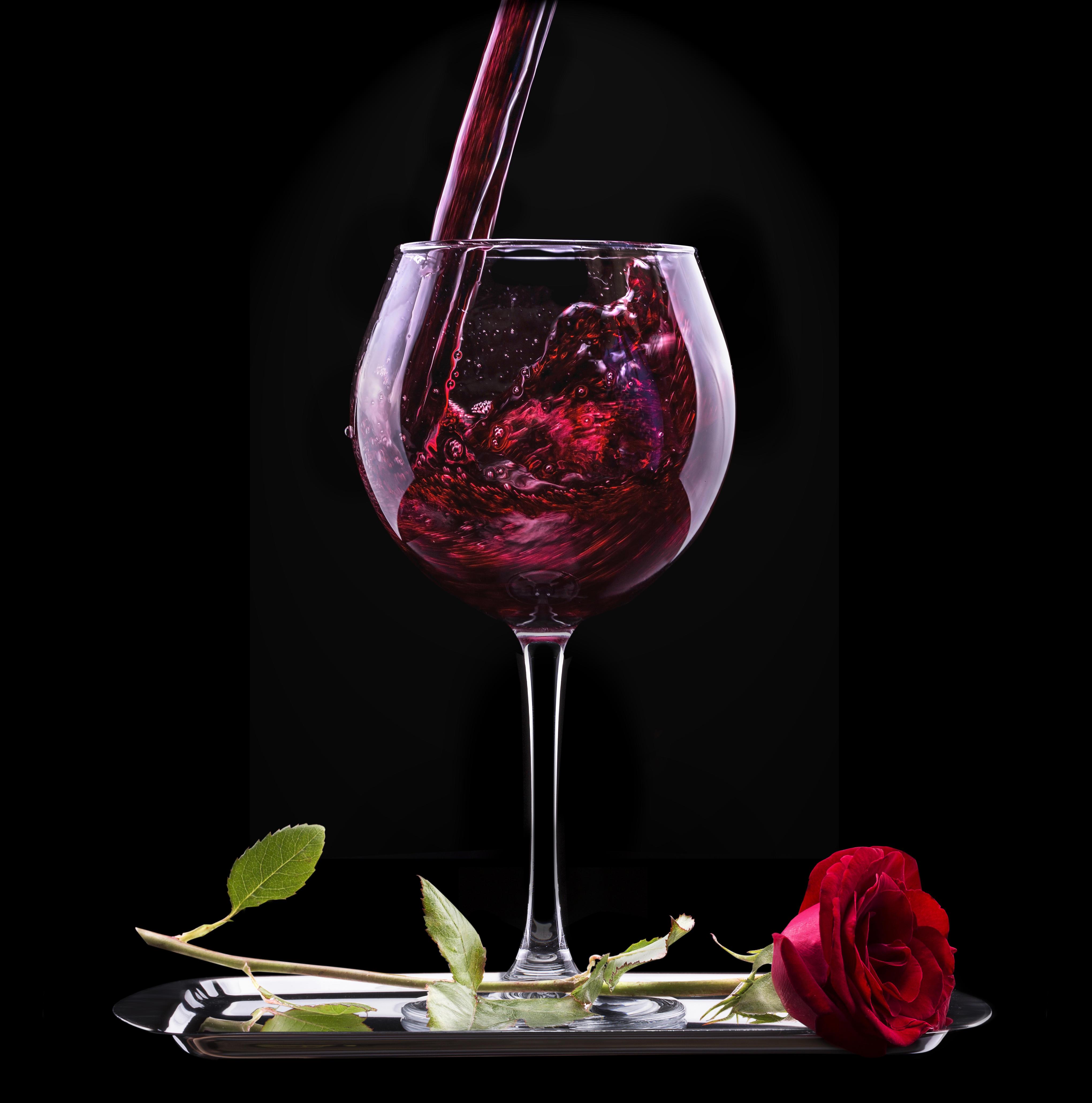 Два бокала с розами  № 750333 загрузить