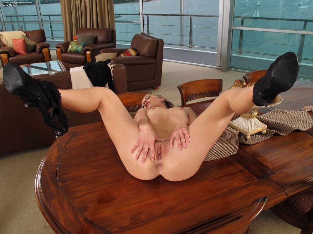 Фото бесплатно Lena Nicole, девушка, модель, красотка, голая, голая девушка, обнаженная девушка, позы, поза, сексуальная девушка, эротика, эротика