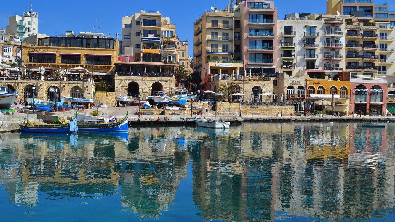Фото бесплатно канал, река, пристань, лодки, дома, кафе - на рабочий стол
