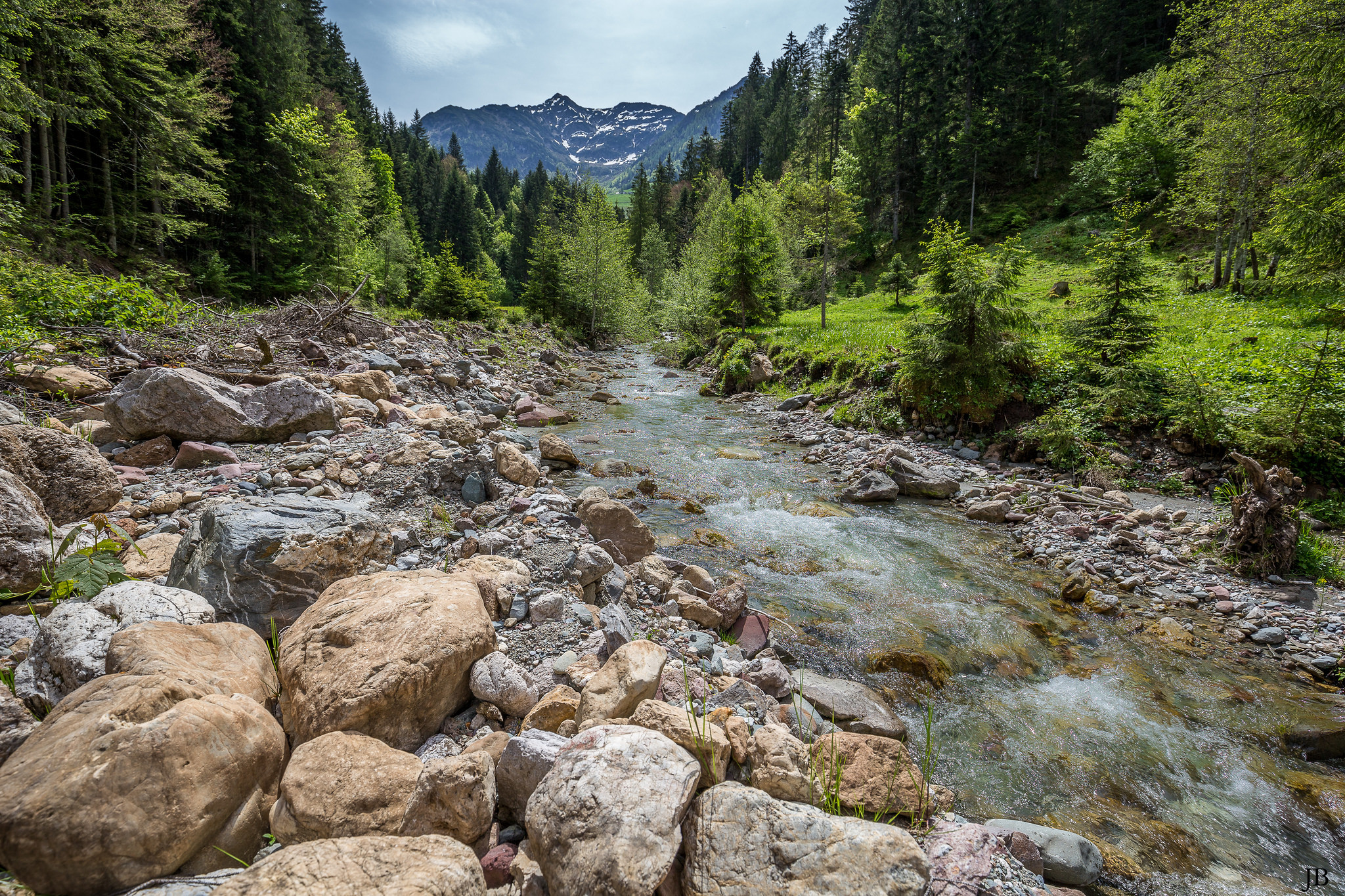 обои река, горы, камни, деревья картинки фото