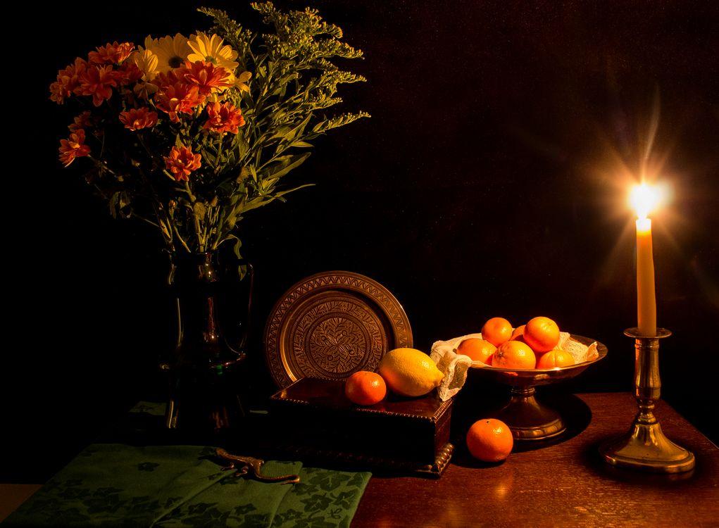 Фото бесплатно свеча, ваза, цветы, фрукты, натюрморт - на рабочий стол