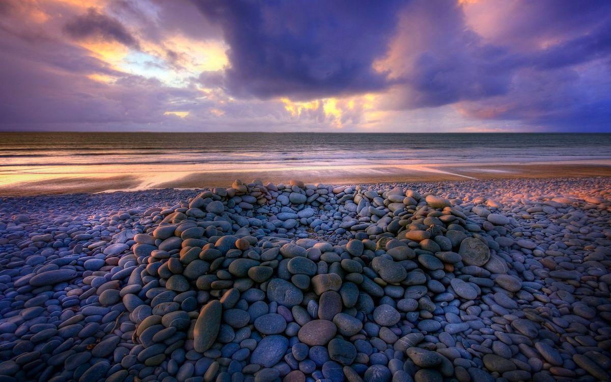 Фото бесплатно берег, камни, галька, море, горизонт, небо, облака, пейзажи