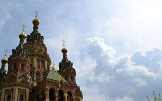 Обои церковь, Санкт-Петербург, купала, небо, облака