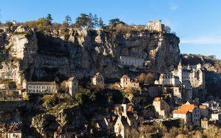 Бесплатные фото дома,крыши,окна,скалы,камни,растительность,городок