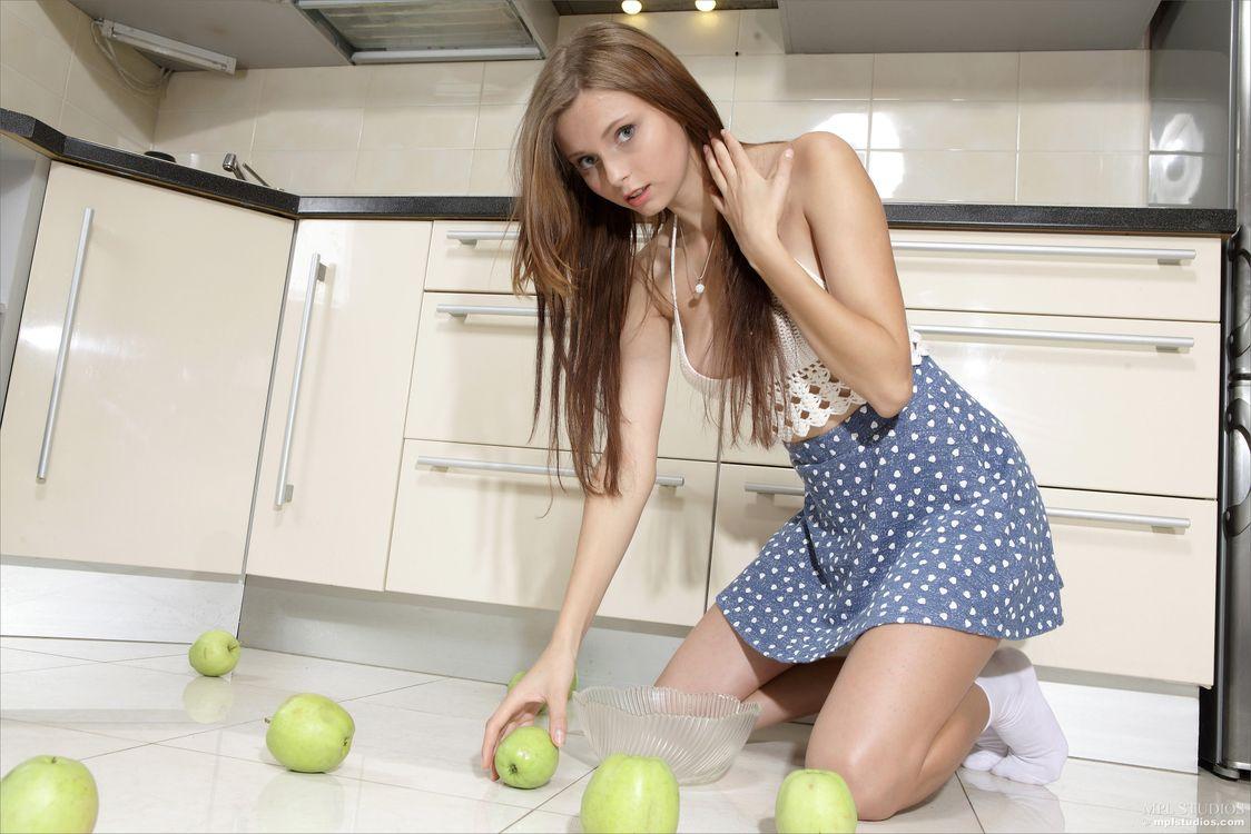 Фото бесплатно Nicolette, красотка, позы, поза, сексуальная девушка, модель, девушки