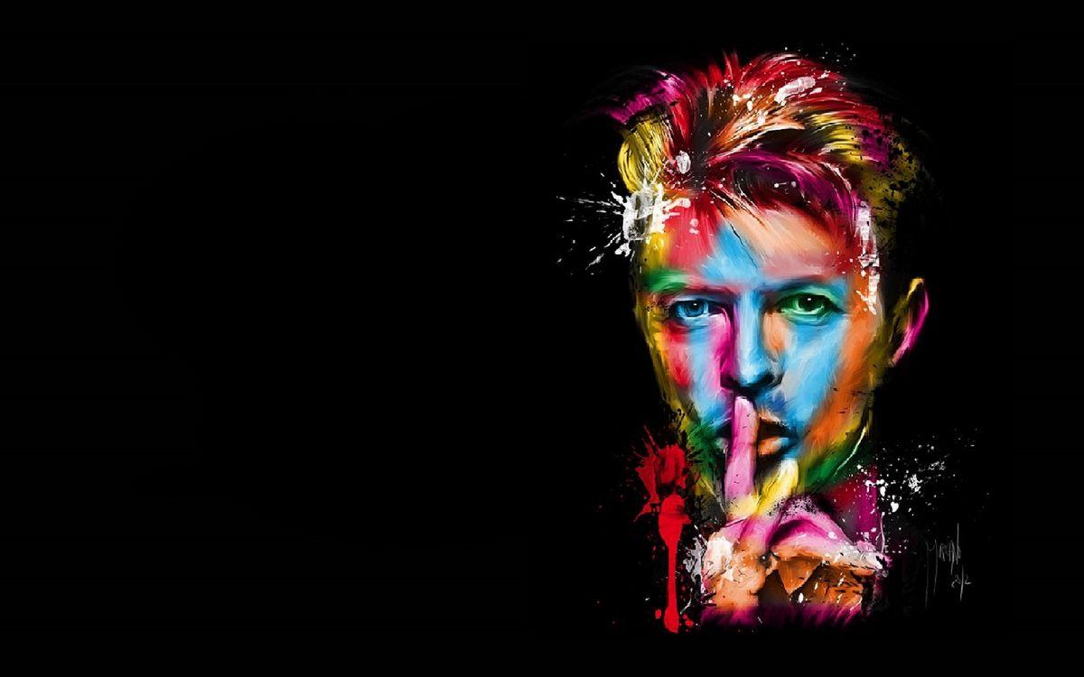 Фото бесплатно мужчина, лицо, глаза, волосы, краски, рука, фон черный, мужчины