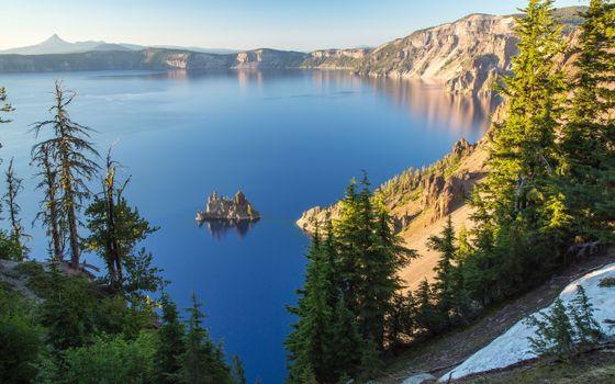 Фото бесплатно озеро в горах, елки