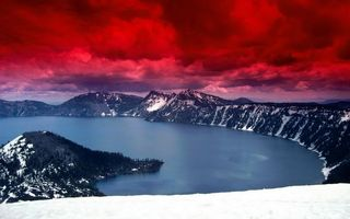 Бесплатные фото озеро,горы,деревья,снег,облака,красные
