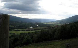 Бесплатные фото долина,горы,растительность,река,селение,небо,облака