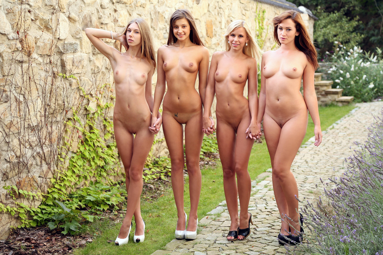Фото голых девушек студенток