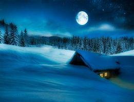 Бесплатные фото зима,ночь,луна,снег,домик,деревья,сугробы
