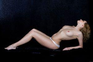 Бесплатные фото ELEONORA A, модель, красотка, голая, голая девушка, обнаженная девушка, позы