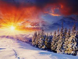 Обои закат, зима, деревья, сугробы, следы, горы, пейзаж, art