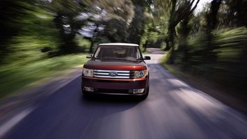 Бесплатные фото форд,красный,внедорожник,фары,решетка,дорога,скорость