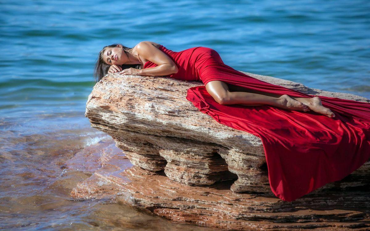 Фото бесплатно море, камень, девушка - на рабочий стол