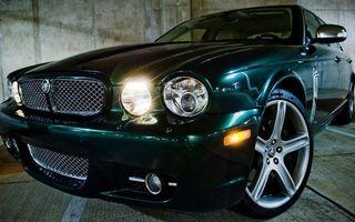 Фото бесплатно ягуар, зеленый, фары, свет, решетка, диски