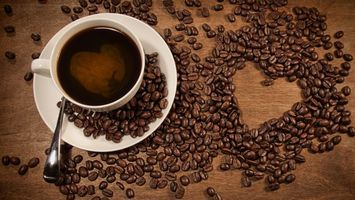 Бесплатные фото блюдце,ложечка,чашка,кофе,зерна,сердечко