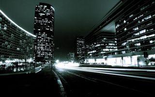 Бесплатные фото ночь,дома,здания,огни,дорога,машины,фото