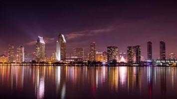 Бесплатные фото ночь,море,побережье,дома,улицы,небоскребы,огни