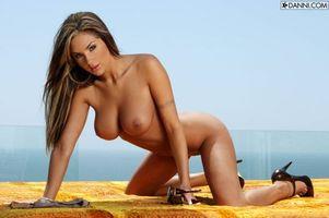 Бесплатные фото Amy Reid,эротика,красотка,девушка,голая,голая девушка,обнаженная девушка