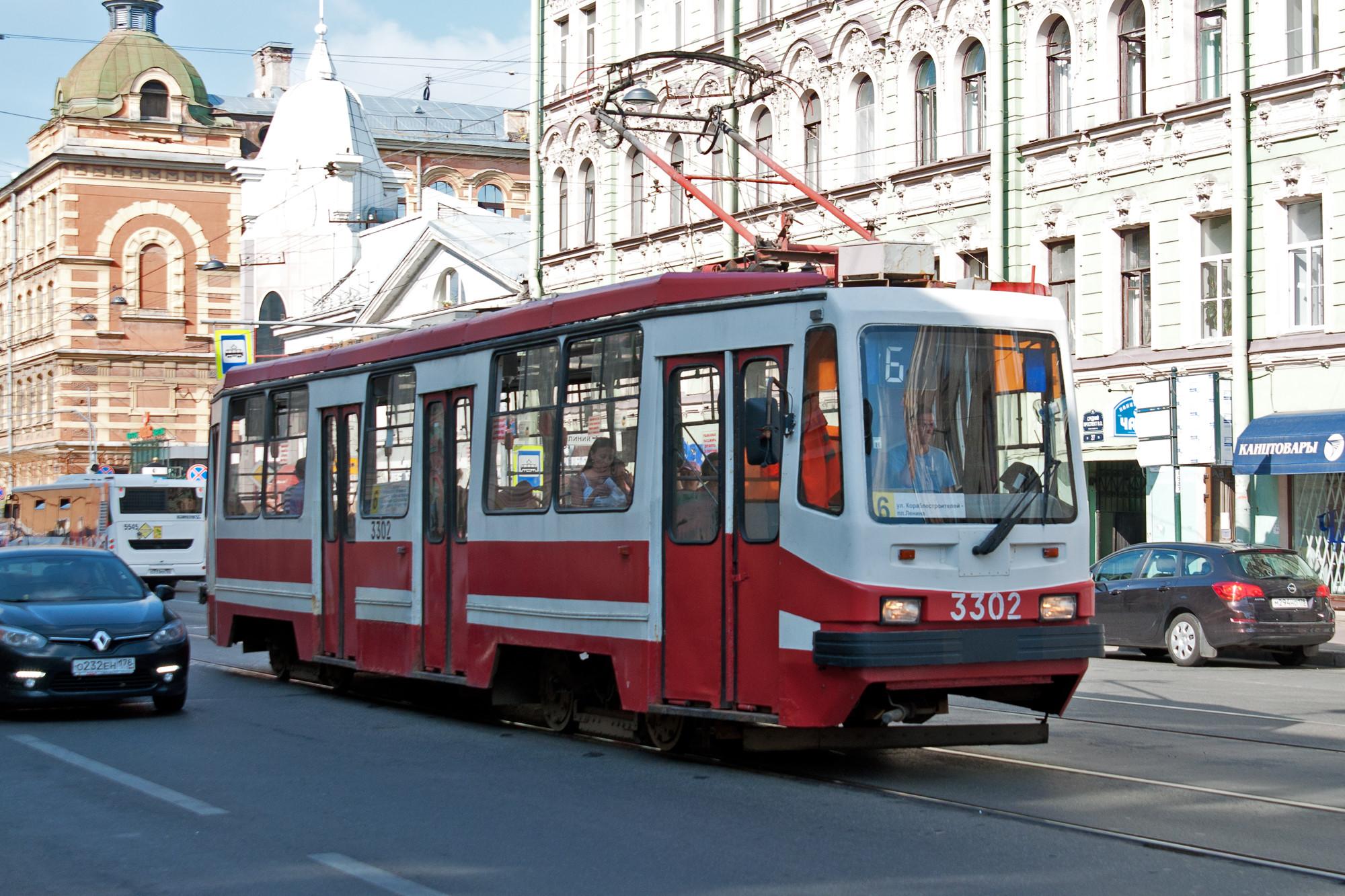 обои трамвай, рельсы, улица картинки фото