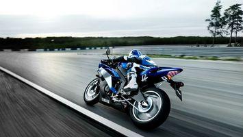 Заставки ямаха, синяя, мотоциклист, трасса, скорость, поворот