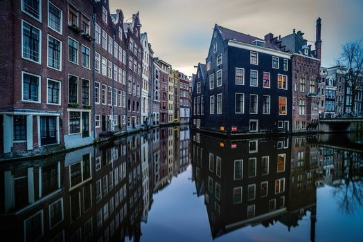 Download screensaver the capital and largest city of the netherlands, amsterdam