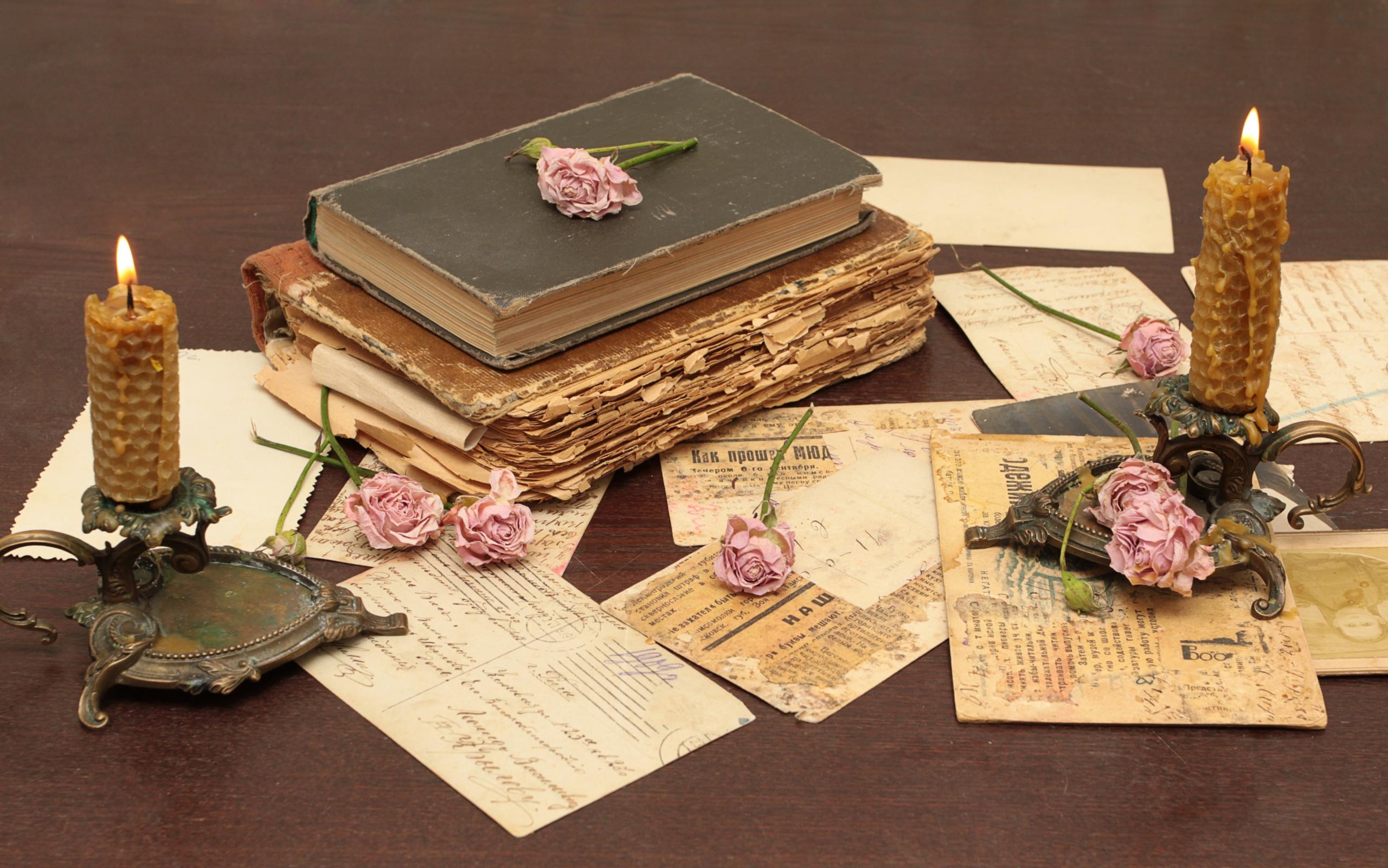 книги, розы, свечки