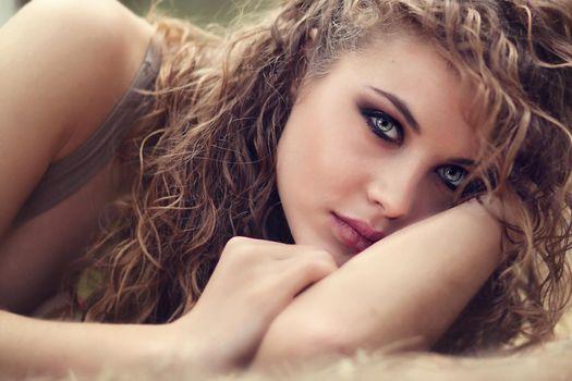 Бесплатные фото девушка,девушки,макияж,лицо,косметика,стиль,гламур,красота,модель,красивый макияж,красотка,настроение