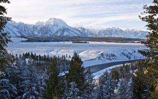 Бесплатные фото зима,лес,деревья,река,горы,снег,небо