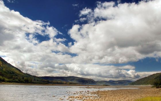 Фото бесплатно долина, река, камни, холмы, сопки, небо, облака