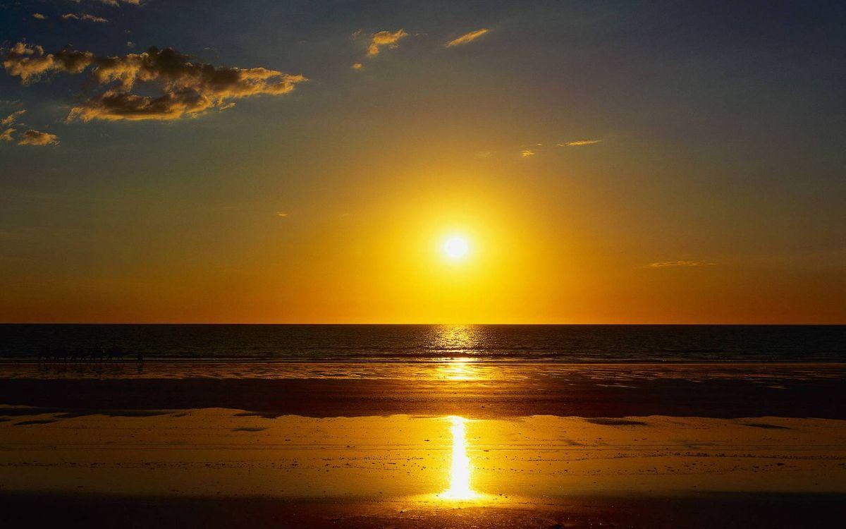 Фото бесплатно берег, песок, море, горизонт, небо, солнце, закат, пейзажи - скачать на рабочий стол