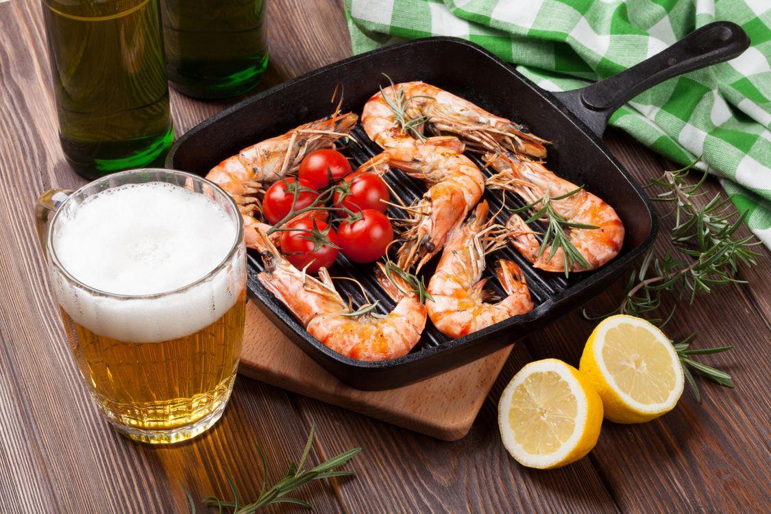 Фото бесплатно Кружка, рыба, креветки - на рабочий стол