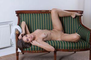 Заставки Inez, Cassandra, Olya Fey, Olina R, красотка, голая, голая девушка, обнаженная девушка, позы, поза, сексуальная девушка, эротика