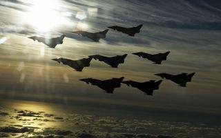 Бесплатные фото самолеты,истребители,строй,полет,небо,облака,солнце