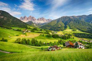 Бесплатные фото Dolomites Alps,Италия,горы,поля,дома,деревья,пейзаж
