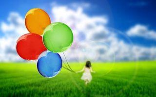 Заставки поле, трава, девочка, воздушные шарики, небо, облака