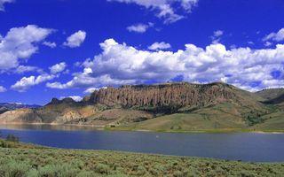 Бесплатные фото река,берега,сопки,холмы,трава,небо,облака