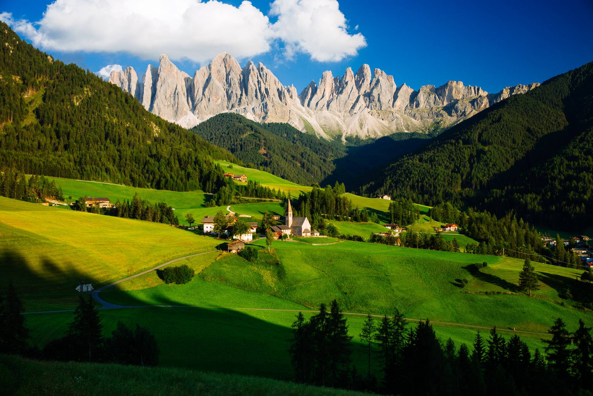 обои Доломиты, Альпы, Италия, The St Johann Church in the Dolomites of Italy картинки фото