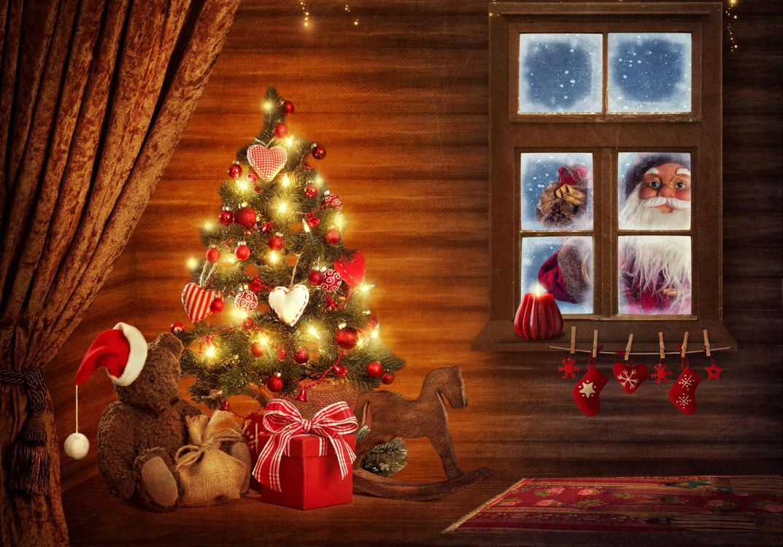 Free photo window, christmas tree, happy new year - to desktop