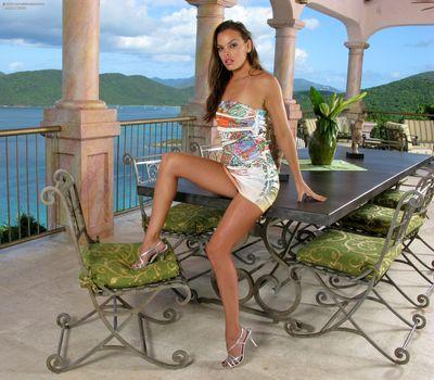 Photo free pose, sexy girl, Renee Perez