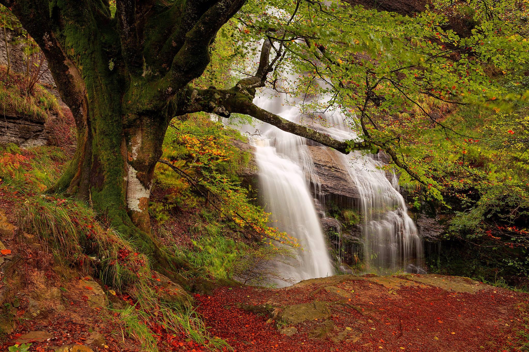 Uguna Waterfall, Gorbea Natural Park, Bizkaia