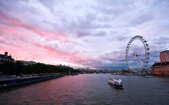 Photo free river, river tram, embankment
