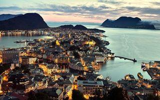 Бесплатные фото вечер,море,острова,дома,здания,улицы,огни