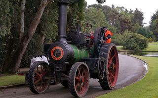 Фото бесплатно трактор, паравоз, труба