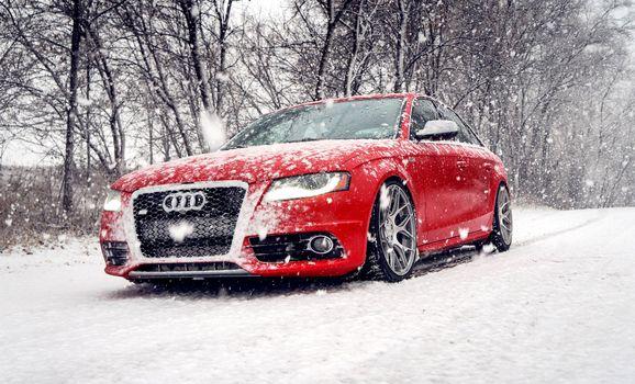 Фото бесплатно Audi A6, снег, деревья