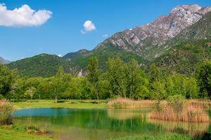 Photo free mountains, pond, trees