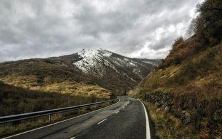 Бесплатные фото дорога,асфальт,отбойник,горы,растительность,вершина,снег