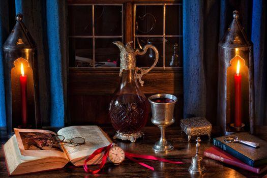 Бесплатные фото Книги,Графин,вино,Чаша,карманные часы,Шекспир,Свечи,Готический,натюрморт
