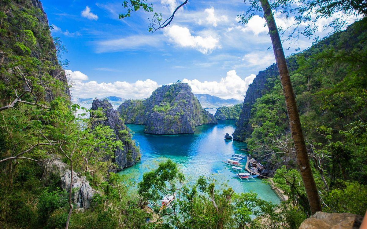 Фото бесплатно скалы, море, берег, острова, деревья, растительность, отдых, курорт, лодки, пейзажи